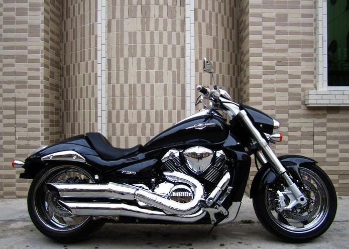 进口06年铃木M109R摩托车(豪华版) 价格:9000元