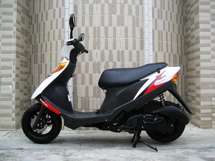 原�b�M口06年�木V125G摩托�    �r格:3500元