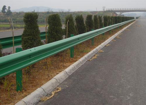 新疆内蒙古喷塑波形梁钢护栏每米价格价格 新疆内蒙古喷塑波形梁钢护栏每米价格型号规格