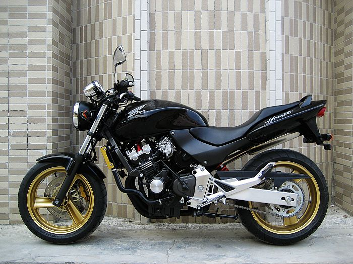 本田小黄蜂250摩托车跑车价格 本田小黄蜂250图片
